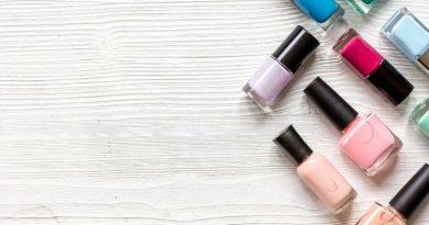 ¿Cómo quitar esmalte permanente en casa?