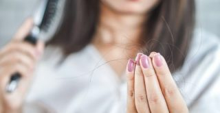 Se me cae mucho el pelo: ¿Qué puedo hacer?